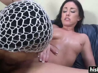 Hot Beauty Loves To Use Her Feet